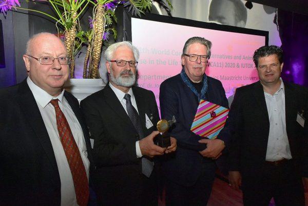 Wethouders-Aarts-met-winnaars-BL-Award